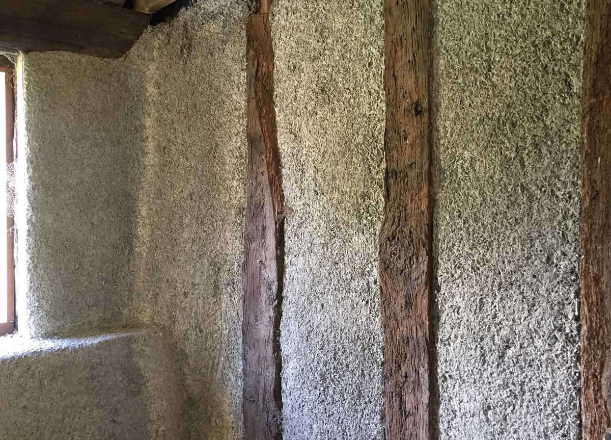 Hempcrete fill between timber